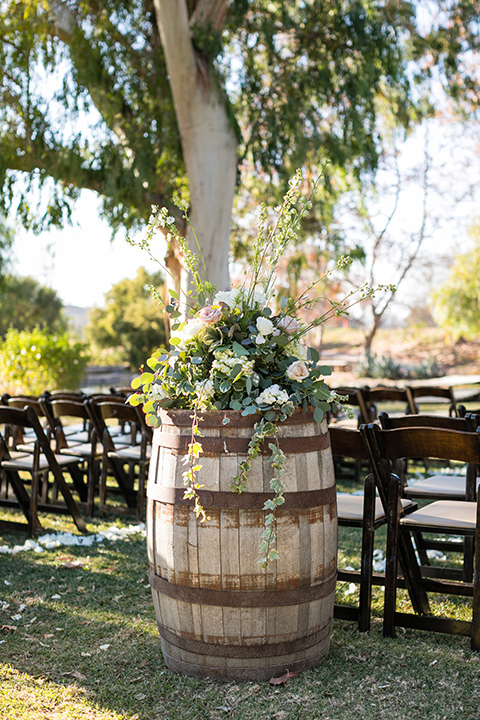 gallway-downs-wedding-ceremony-décor-with-wine-barrels