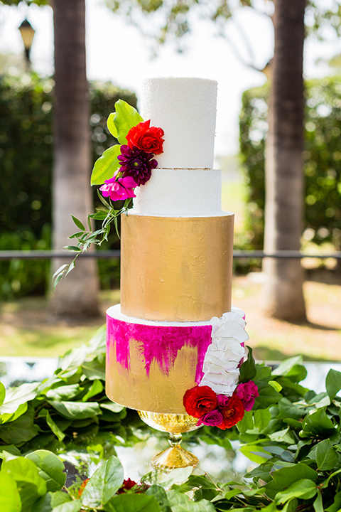 muckenthaler-mansion-three-tier-cake-with-gold-and-pink-decorations