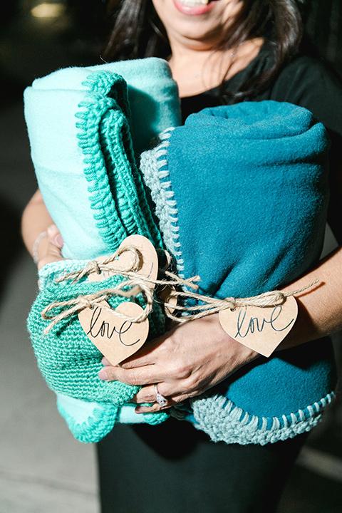 hidden-acres-wedding-blankets
