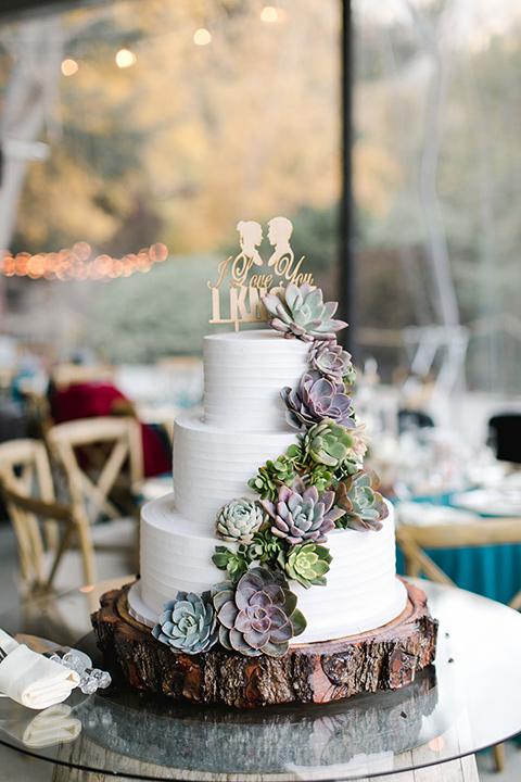 hidden-acres-wedding-cake