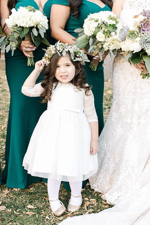 hidden-acres-wedding-flower-girl