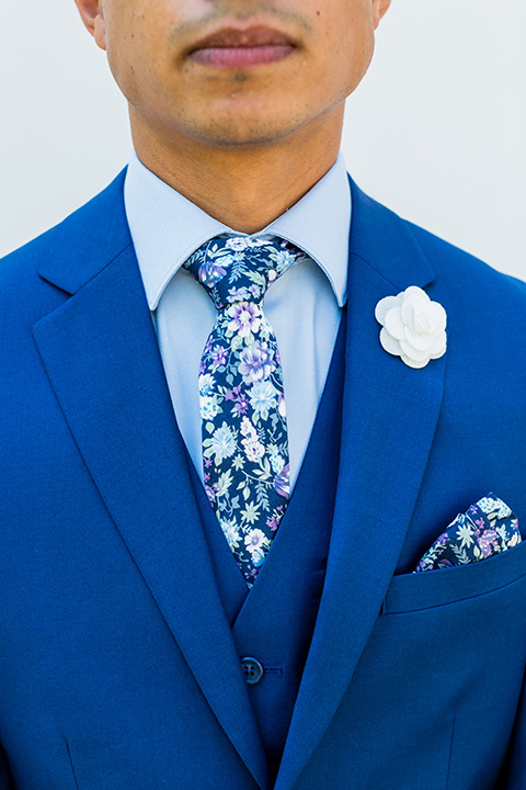prom-looks-all-blue-look-with-a-cobalt-blue-suit-a-light-blue-shirt-and-a-blue-floral-tie