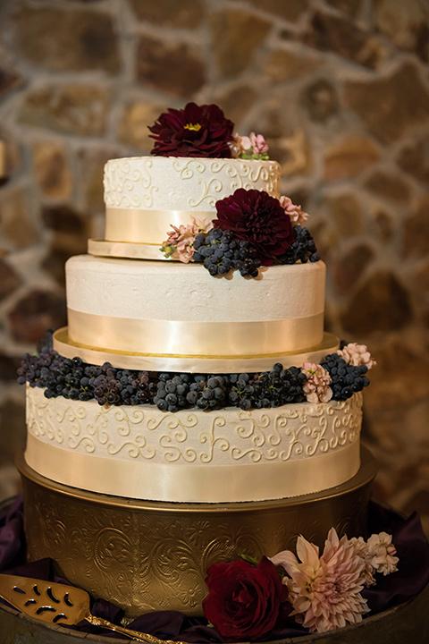 milagro-farms-shoot-cake