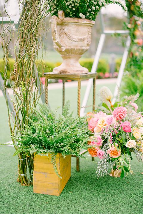 omni-la-costa-floral-decor
