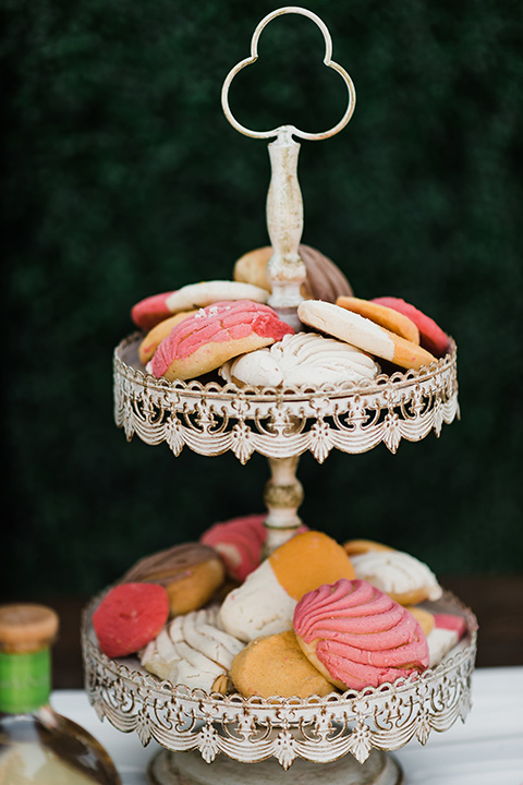 Olivas-Adobe-spanish-inspired-shoot-cookies-in-various-bright-colors