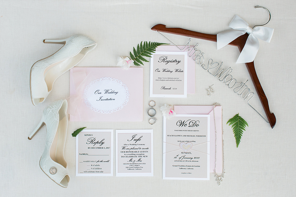 tropical-wedding-at-the-grand-tradition-invitations