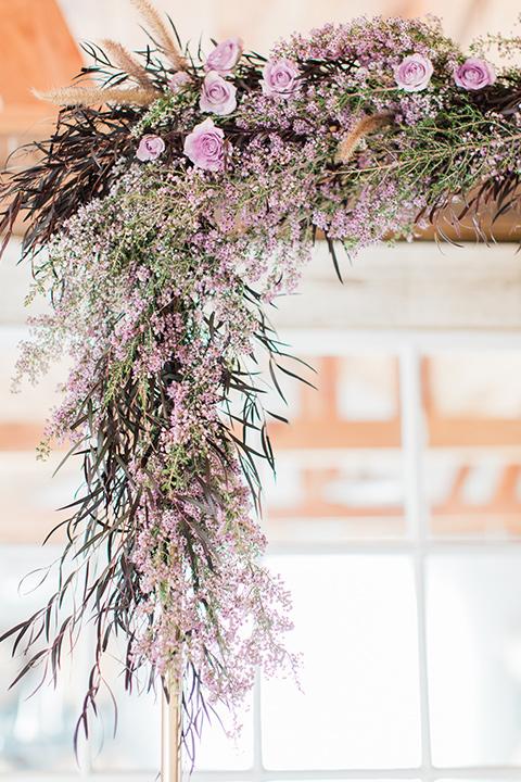 triunfo-creek-vineyards-wedding-ceremony-floral-decor