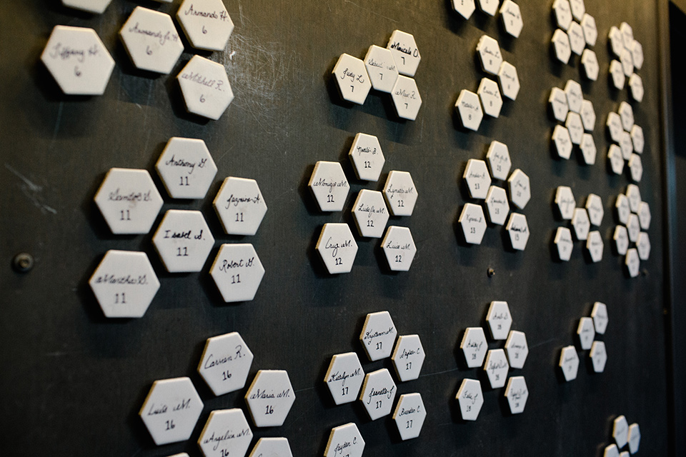 geometric table cards