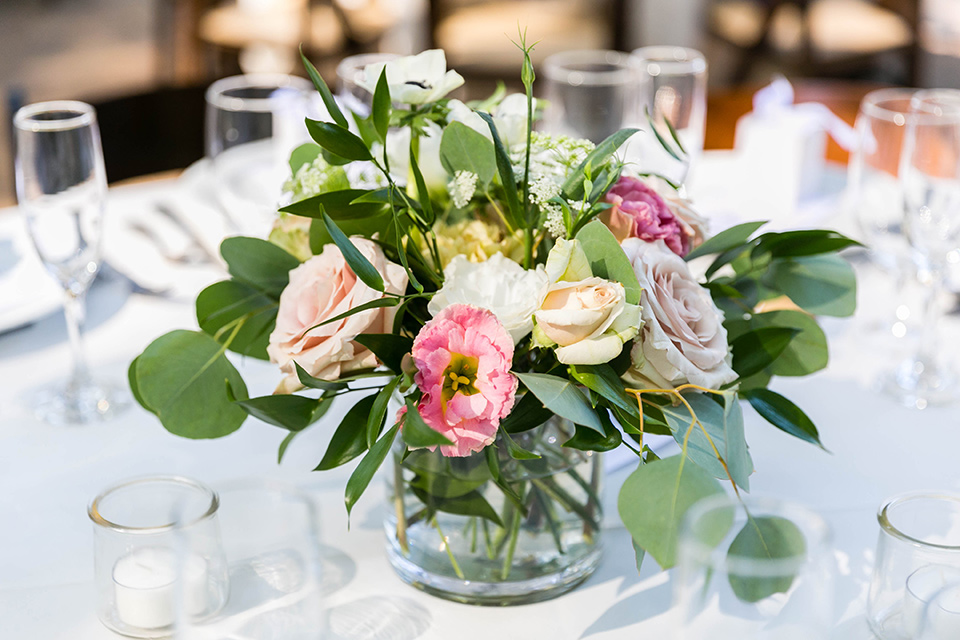 simple and elegant wedding floral centerpieces