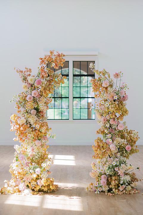 building 177 romantic coral wedding – ceremony arch