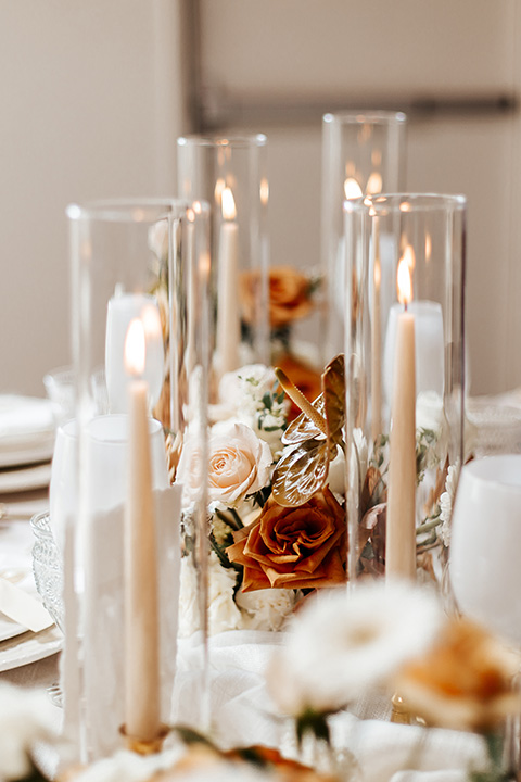 alleylujah neutral wedding – candles and table decor
