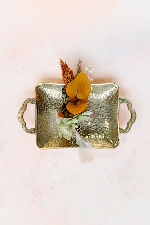 cream and caramel autumn inspired florals