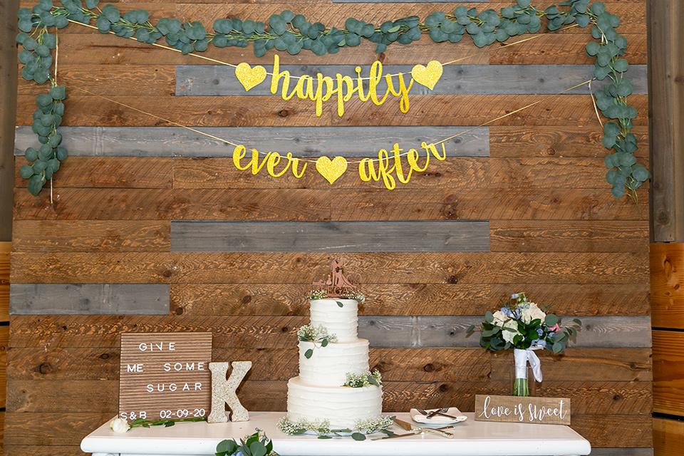 garden California floral wedding – cake table