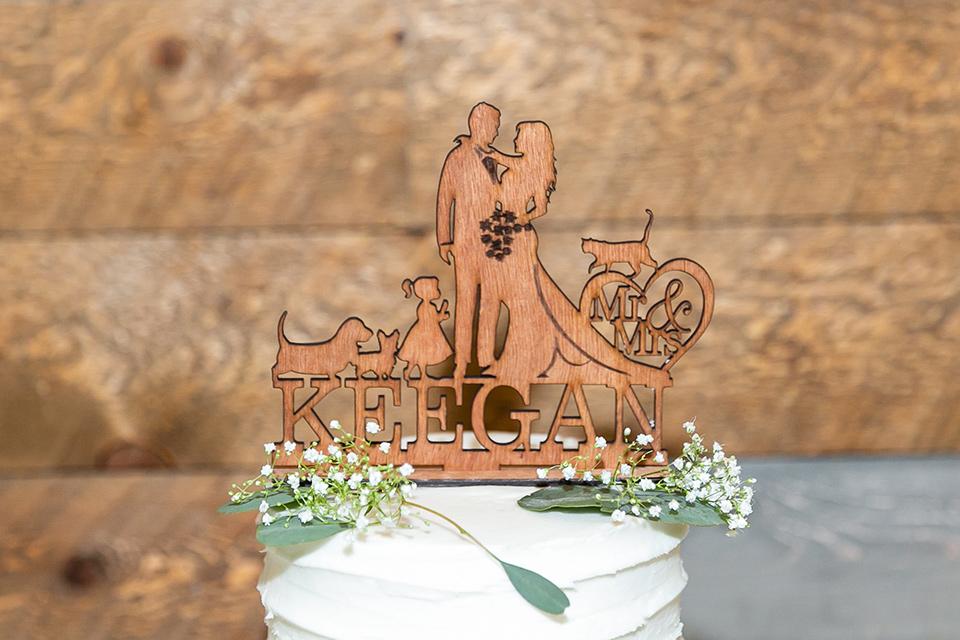 garden California floral wedding – cake topper