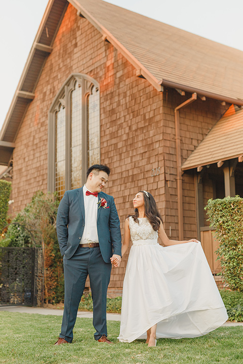 red and blue farmhouse wedding – couple