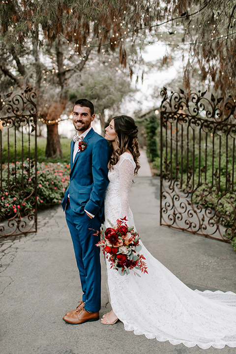 bohemian orange wedding – couple